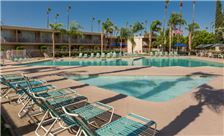 days-inn-palm-springs-wading-pool